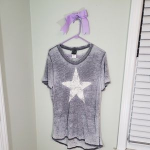 Gray super soft tee with star graphic